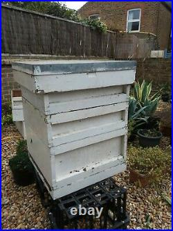 Beehive British National 1 Base, 1 Brood, 1 Roof, 2 Supers, Crownboard Cedar 1