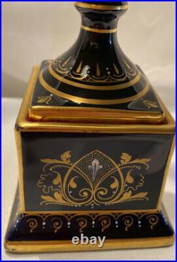 Exceptional Royal Vienna Portrait Vase- Gold Cobalt Blue c 1880 Beehive Mark