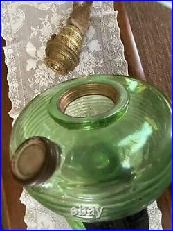 Gorgeous Aladdin Crystal Green Beehive / W Band Model B Oil Lamp& Embossed Shade