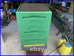 Langstroth Beehive. Top notch only used for 2 months