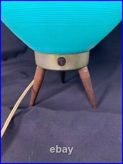 Mid Century Modern Two Tone Plastic Atomic Beehive Lamp Tiki Tripod Retro eames