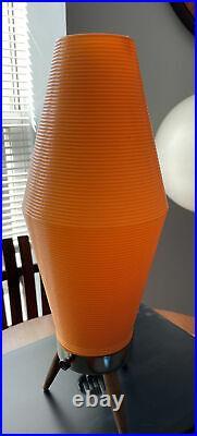 VINTAGE Mid Century Modern Beehive Orange Plastic Tripod Base Table Lamp MCM