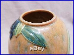 Vintage Roseville Futura Vase The Beehive 406-8